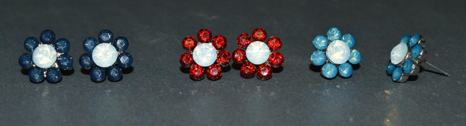 Cute Flower Earring with Coloured Stones