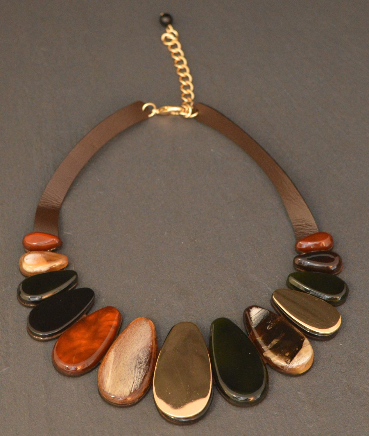 Multi Natural Coloured Acrylic Collar