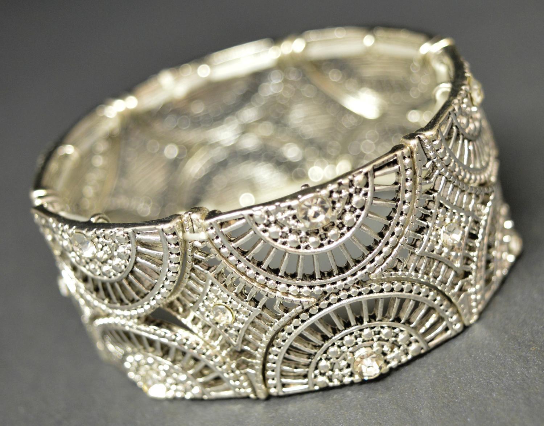 Patterned Elasticated Bracelet