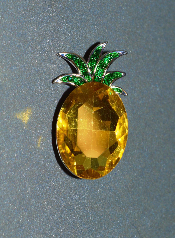 Pineapple Brooch