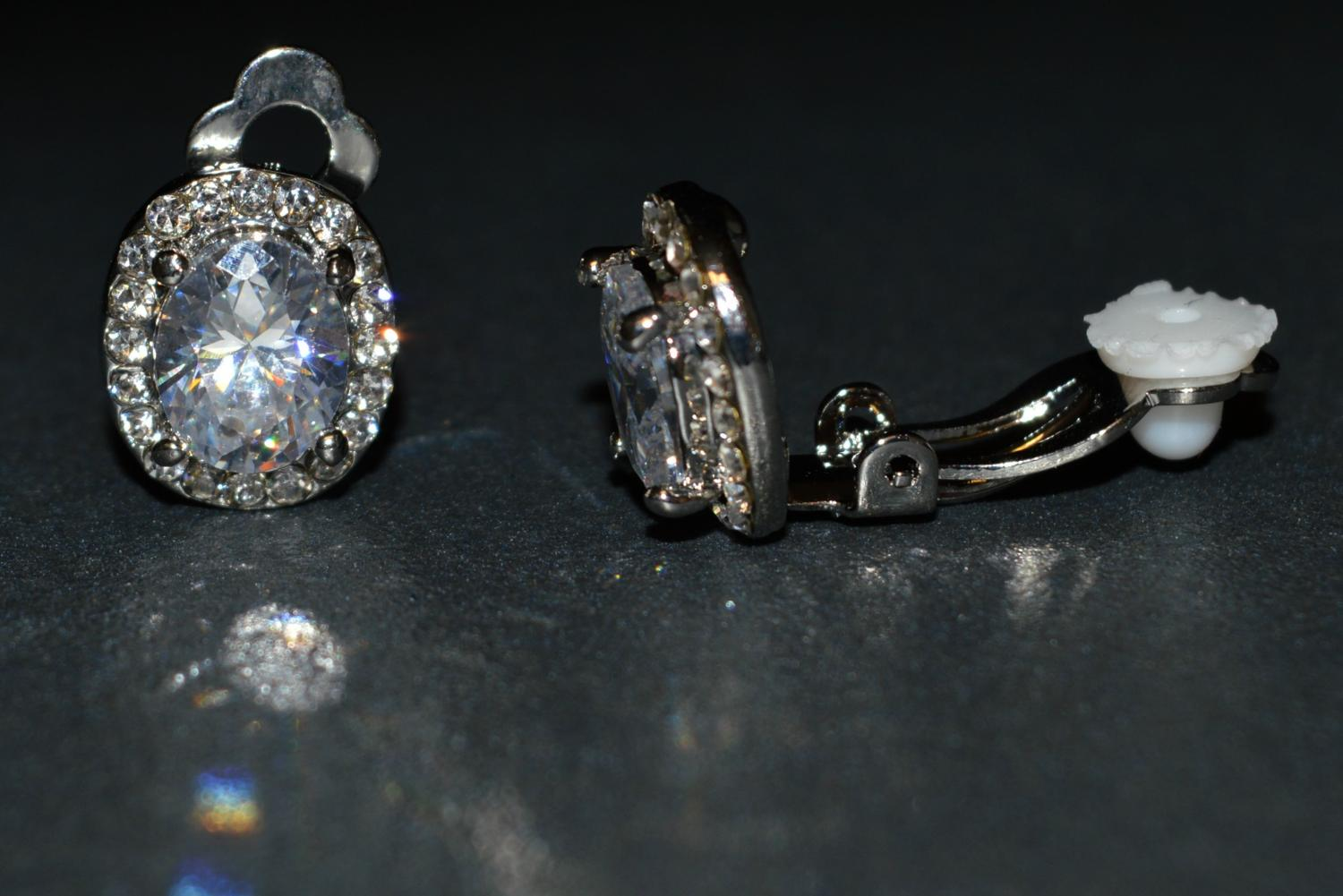 Glass Stone Clip Earring