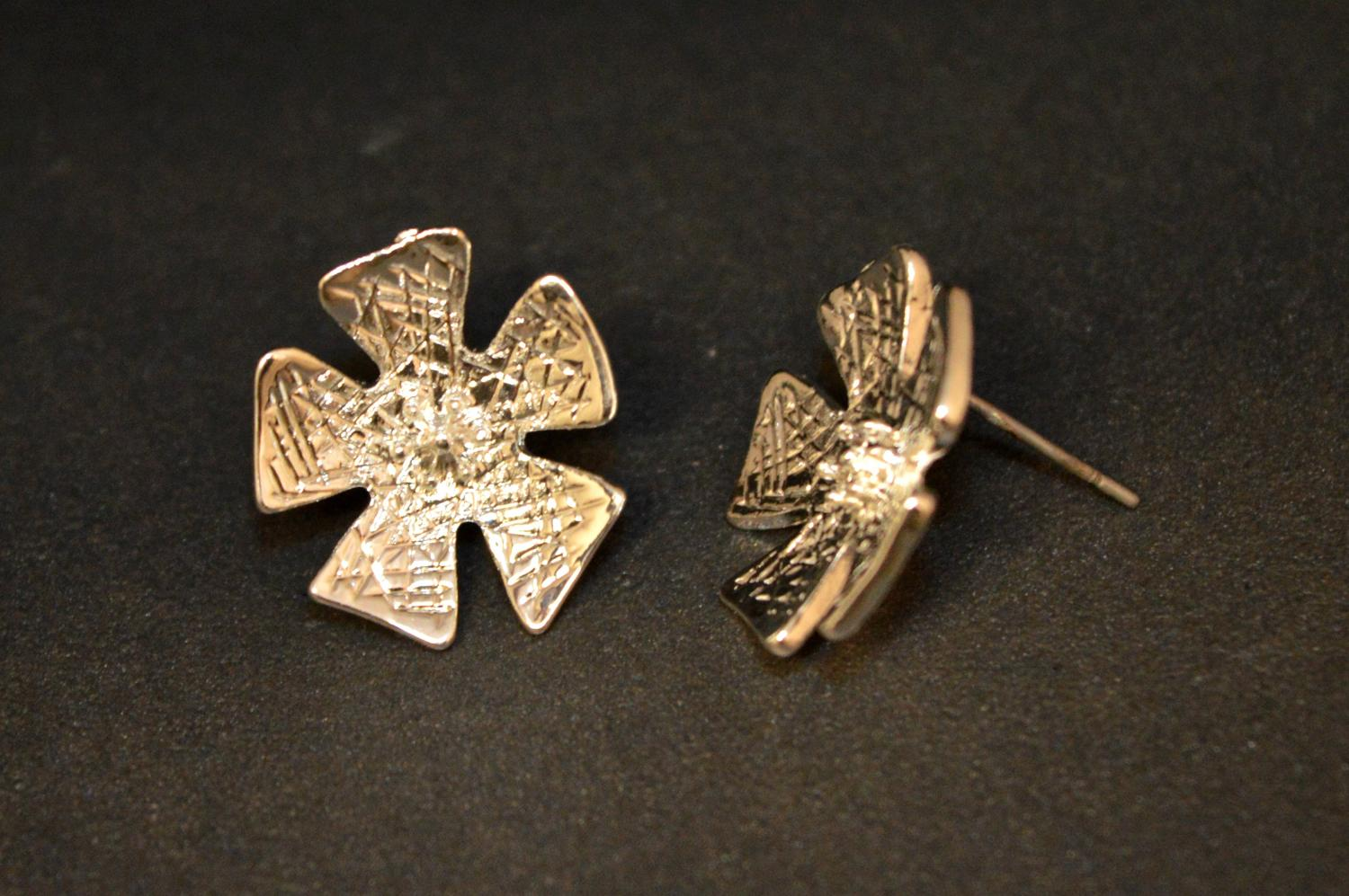 Textured Flower Earring