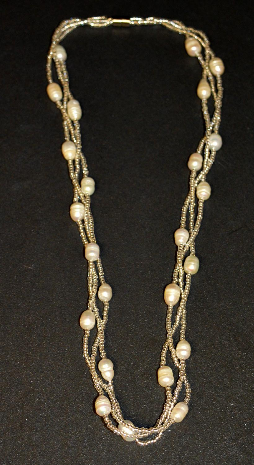 Pearl Magnetic Necklace